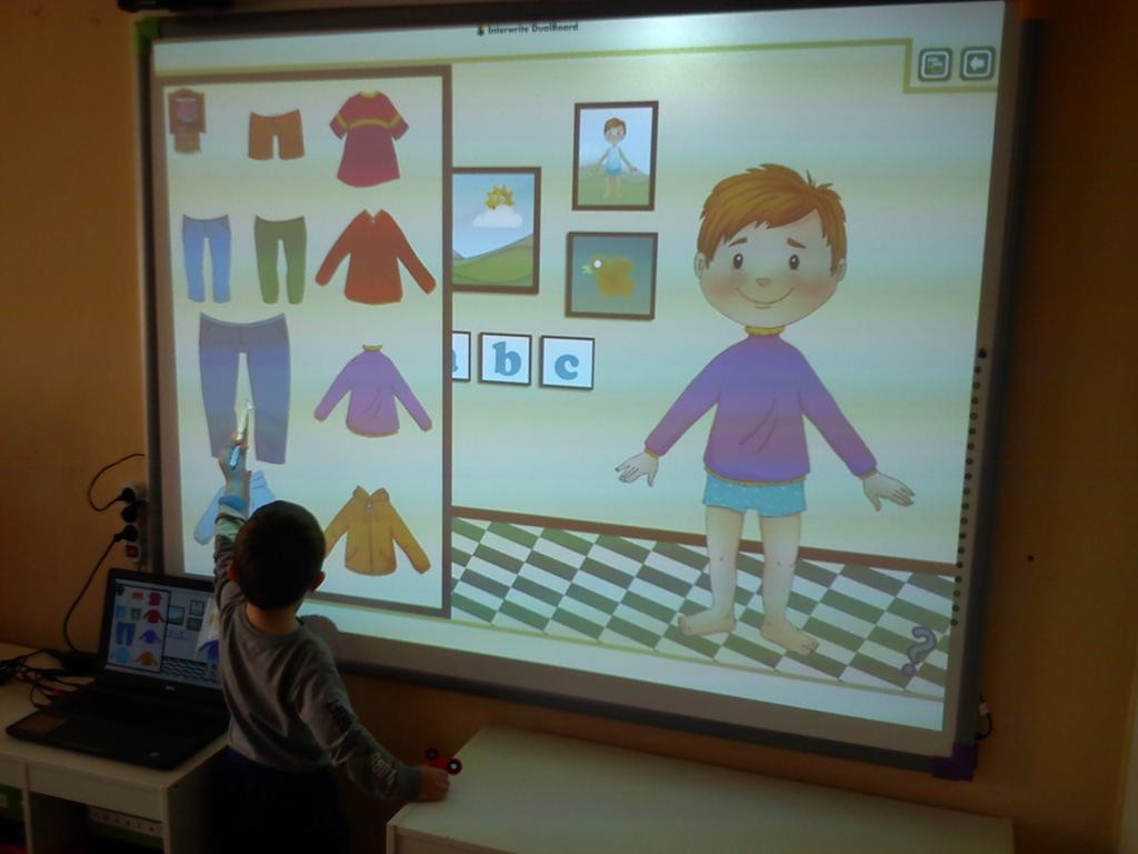 Znalezione obrazy dla zapytania zajęcia z tablica interaktywna w przedszkolu